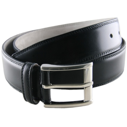 Black_leather_belt_1_L