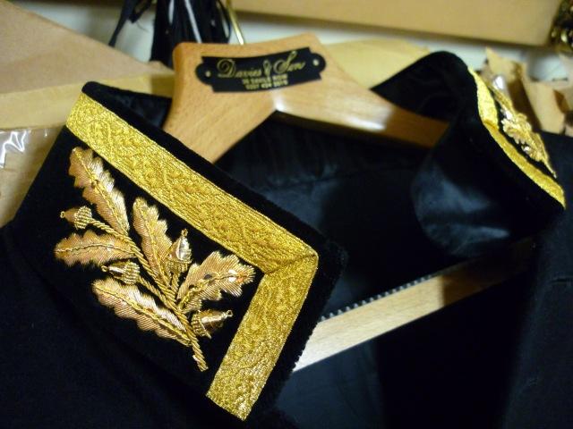 Английская дипломатическая форма с ручной золотой вышивкой
